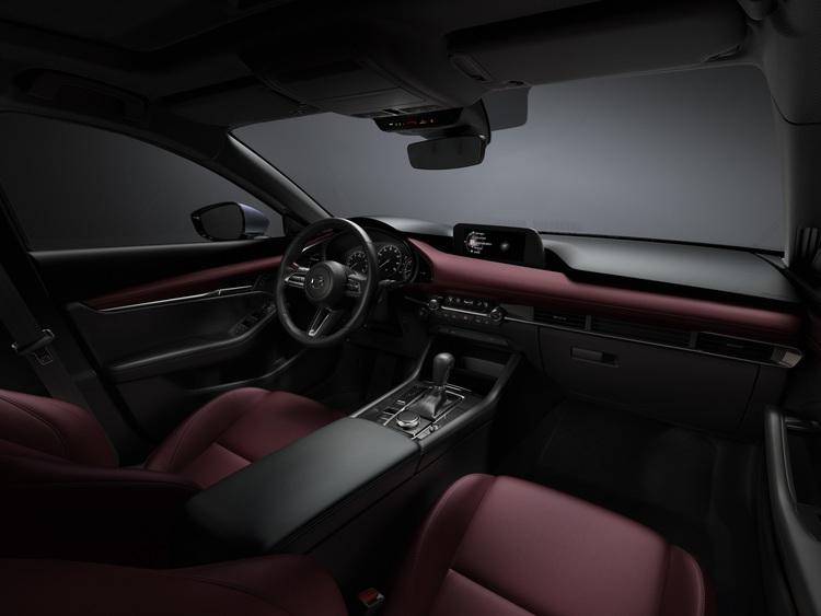 31 Mazda3 Int Cockpit Burgundy