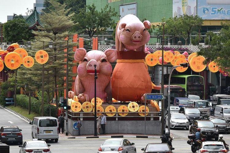 Chinese New Year CNY Pigs lanterns Chinatown singapore