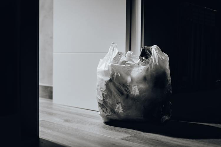 trash bag discard